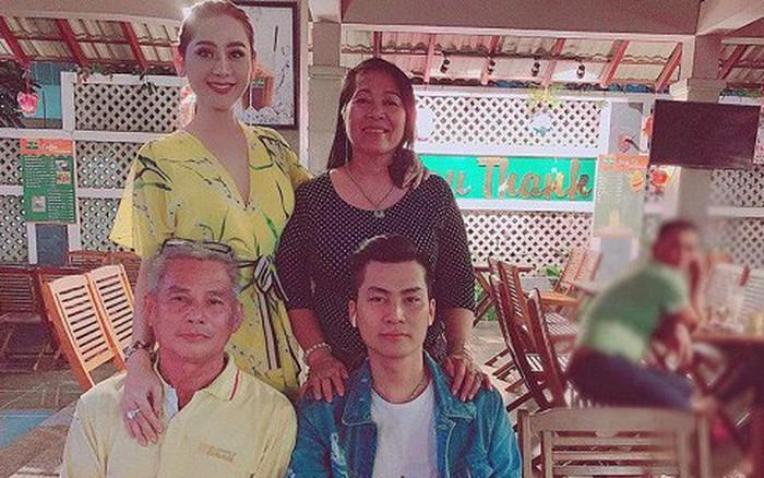 Lâm Khánh Chi lộ mối quan hệ với bố mẹ chồng