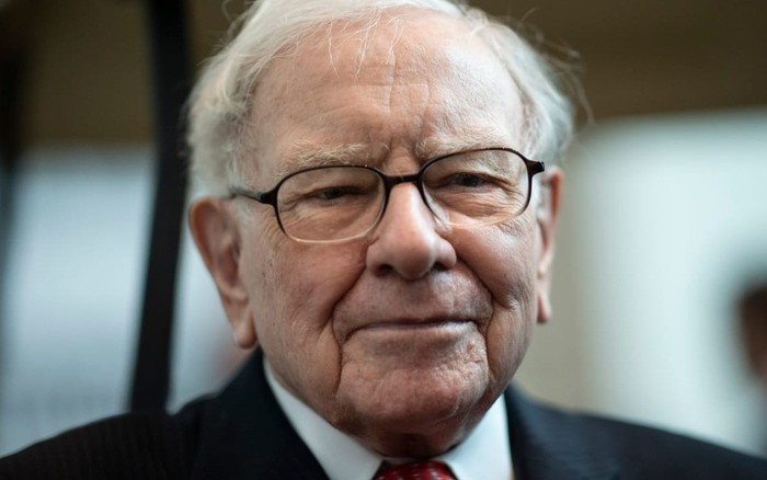 Warren Buffett: Đừng chờ khi con lớn mới dạy con về tiền bạc