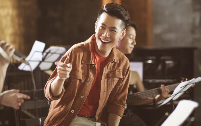 Hồ Trung Dũng làm mới loạt ca khúc xưa tặng fan nhân dịp kỉ niệm 10 năm ca hát