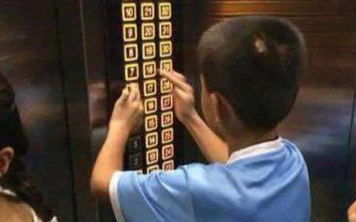 Cậu bé nghịch ngợm ấn đồng loạt các tầng thang máy và hành động sau đó của ...