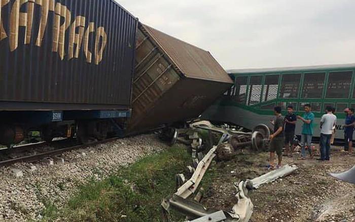 Vụ tàu hỏa đứt toa đè trúng xe tải ở Nghệ An: Vị trí xảy ra tai nạn là lối đi tự ...