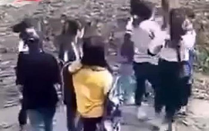 Nhóm nữ sinh hẹn đánh nhau để giải quyết mâu thuẫn - xs thứ hai