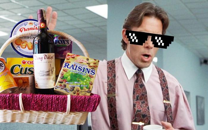 Đối tác gửi hơn chục phần quà Tết, sếp chẳng chia cho nhân viên ...